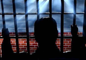 verurteilter straftäter im gefängnis