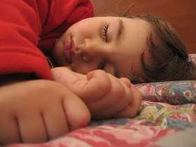 Ursachen für Schlafprobleme beim Kind