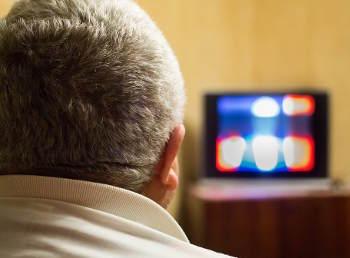 tv-glotzen-sitzen
